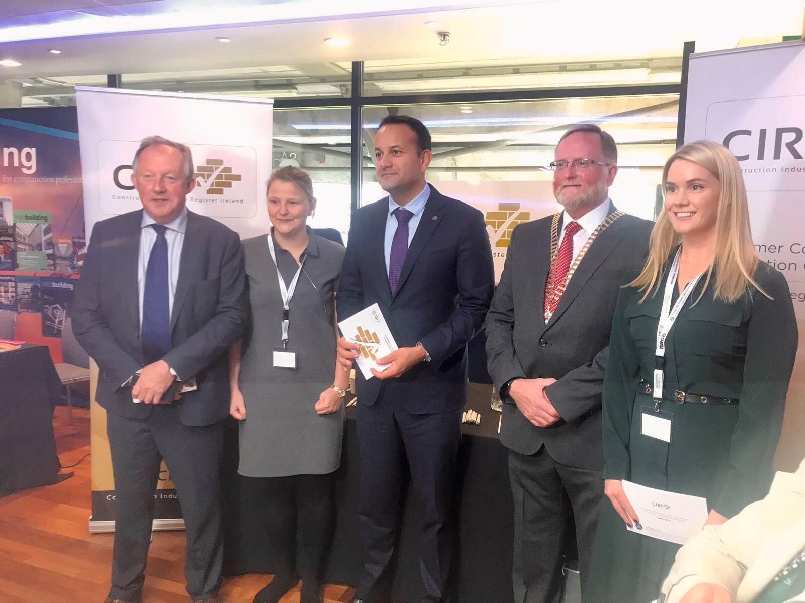 An Taoiseach ,Leo Varadkar  & Minister Eoghan Murphy  show their support for CIRI.